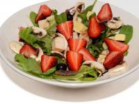 Salad - Hickory Chicken, strawberry & Spinach Salad - 151 Kcal/100g